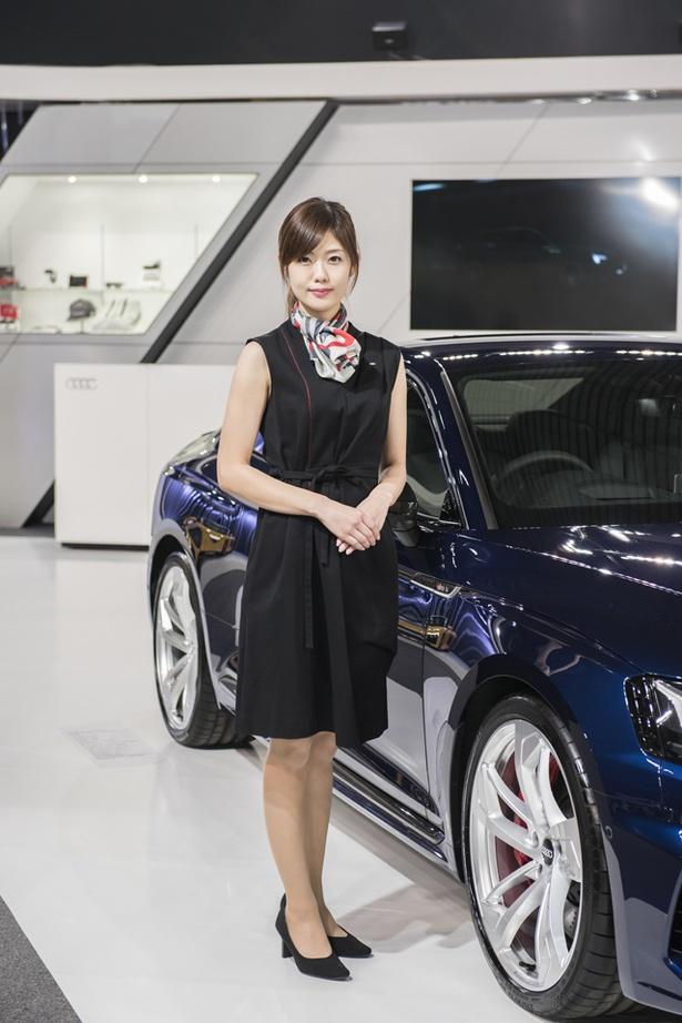 「札幌モーターショー2018」より、「アウディ」のブースで見つけた美人コンパニオン