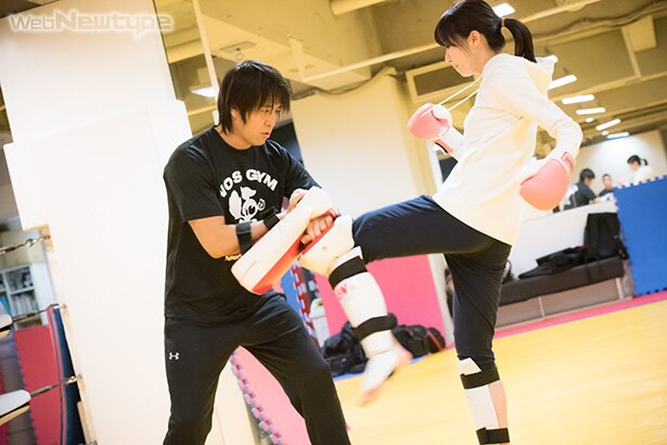 青木瑠璃子、拳を固めて叩け!そして蹴れ!!