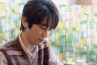 ユースケ・サンタマリアがその相手役で少し神経質な小説家を好演 ユースケ・サンタマリアがその相手役