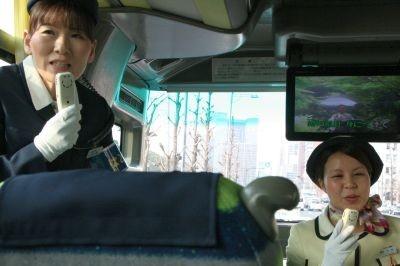 車内で昭和歌謡を熱唱!