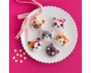 可愛すぎて食べられない猫形マシュマロにバレンタインバージョン登場!