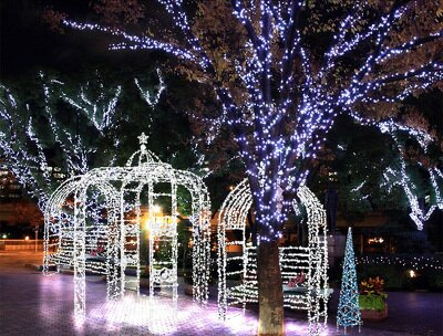 中之島公園内に、光のベンチ「イルミネーションジュエリー」が登場!(イメージ)