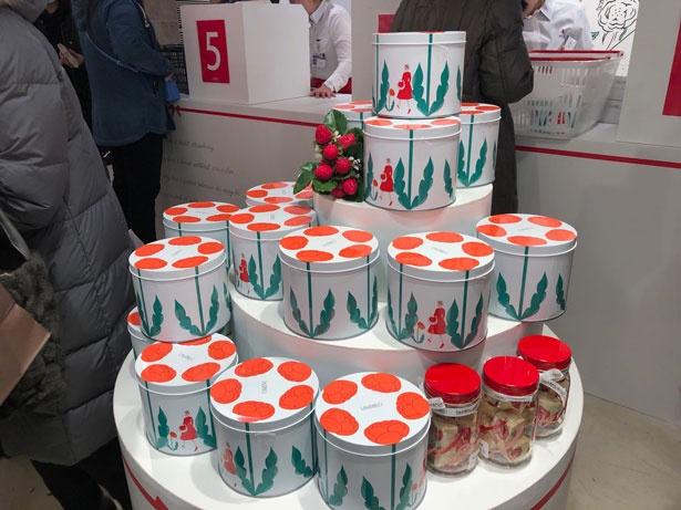 詰め合わせの缶はかわいいデザインも人気の理由!