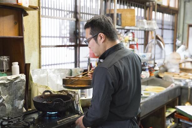 悠さんが調理を担当するが、眞由子さんも現役で働いている