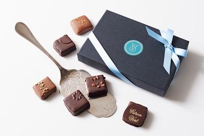 王室主催のパーティーに おいてチョコレートなどを提供するショコラティエが作り出す「ヴァンデュパールセレクション6個入りS」(2376円)
