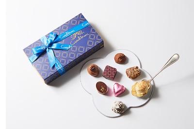 ベルギー選りすぐりのショコラを詰め合わせた日本限定ブランド、クァウテモックの「トリュフミックス 8個入」(1728円)