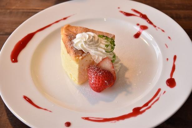スフレチーズケーキはパフェでも大人気
