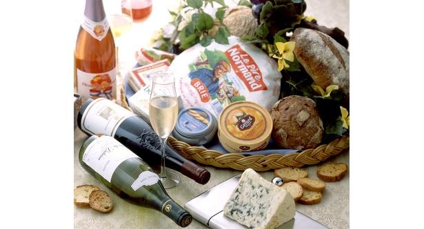 豊富なワインとチーズを思う存分堪能