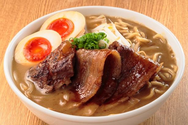 とろとろ炙り軟骨焼豚入り 白エビ豚骨~北海道干し貝柱バージョン~。濃厚で食べ応え満載だ