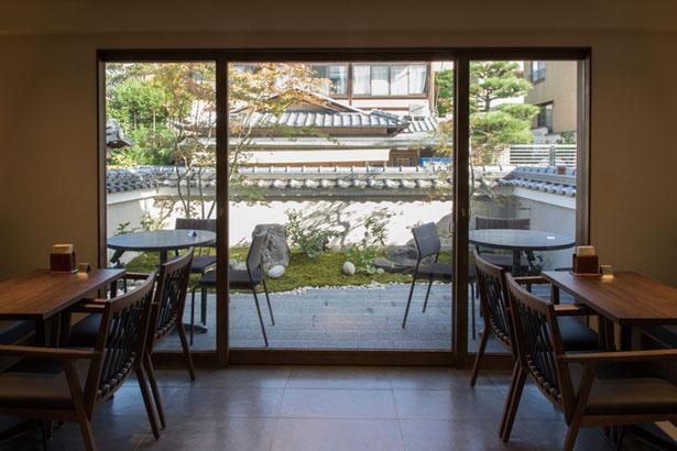 庭を見渡せる空間/ベル アメール 京都別邸 銀閣寺店