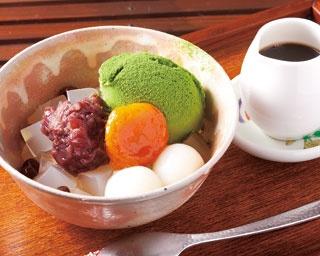 「抹茶クリームあんみつ」(700円)/みつばち