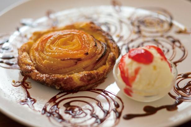 【写真を見る】「りんごのパイ」(600円)/elicafe