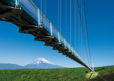 霊峰・富士を望む興奮の空中散歩