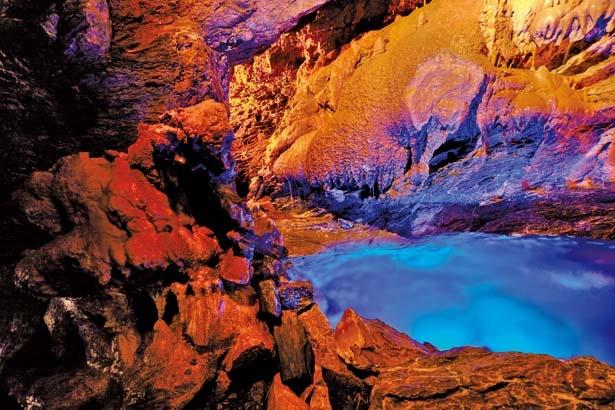 神秘的な世界が広がる、東海地方最大級の観光鍾乳洞/竜ヶ岩洞
