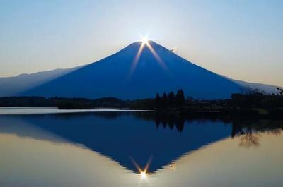 日の出と共に見られる「ダイヤモンド富士」。奇跡の瞬間を目にしよう/田貫湖