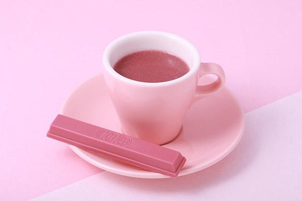 甘酸っぱい恋の味?天然ピンク色の飲むホットチョコレート