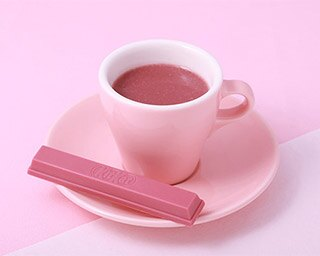 """バレンタイン限定!""""飲むピンクのチョコ""""キットカット ショコラトリー本店に登場"""