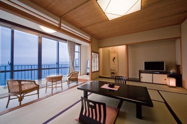 露天風呂付きの海側の客室/絶景露天風呂の宿 銀波荘
