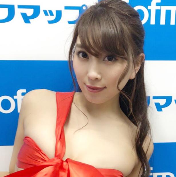 DVD発売イベントに登壇した森咲智美