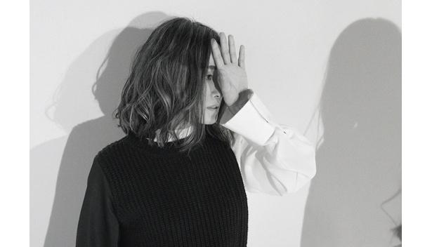 エンディングテーマは、シンガー・ライターのNakamuraEmiによる書き下ろし曲「かかってこいよ」に決定
