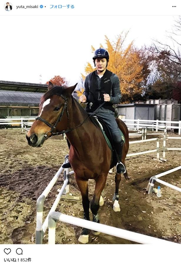 厳しい審査を通過し、中央競馬の馬主にもなるという