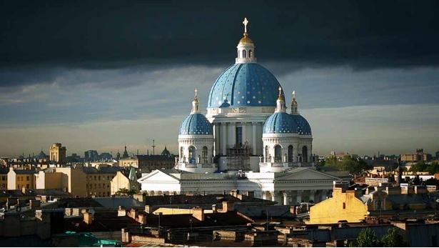 『ロシア・トラベルガイド』は、ロシア各地の旅の見どころ、歴史、文化を紹介した旅番組