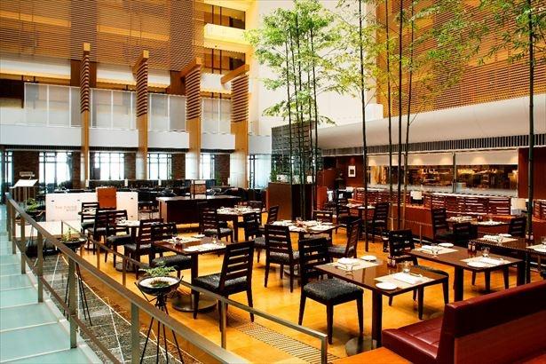 ストリングスホテル東京インターコンチネンタルの26階にある「ザ・ダイニング ルーム」