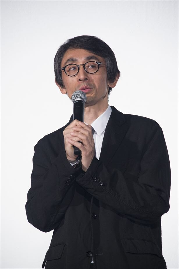 吉田大八監督は「生きていくうえで疑うことも必要ですが、分からなくても信じるっていうのがちょっとでも多い方が楽しいんじゃないか」と語る