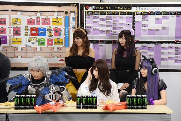 前列左より、ウサコさん、うらまるさん、五木あきらさん。後列左より、望月もち子さん、小澤らいむさん