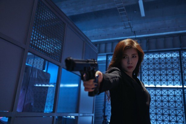 本作でも美しいアクションシーンを見せるハ・ジウォン