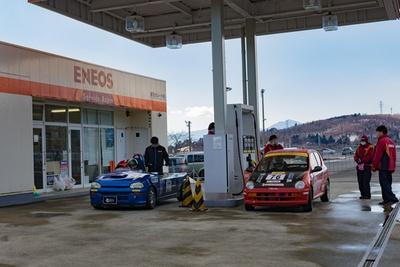 給油は富士スピードウェイ内のガソリンスタンドで行う