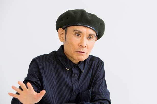 絵を年間100作以上描かなくてすむので余裕が出来たと話す鶴太郎