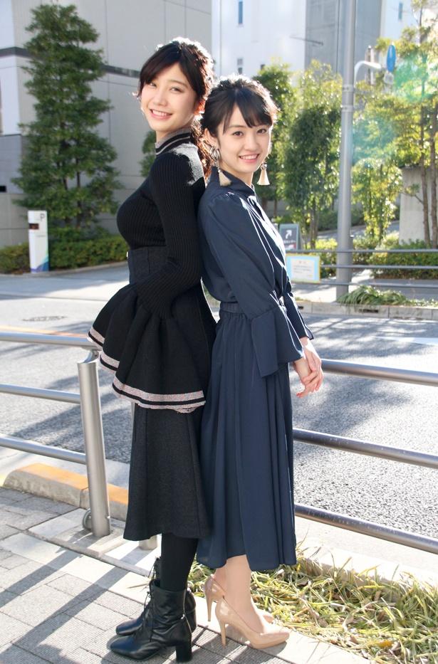 背中合わせの撮影で、咲良は「合わないんです~」と小倉との身長差を気にした