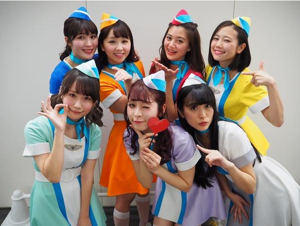 【写真を見る】PASSPO☆は懐かしのロックなラブソングを披露!