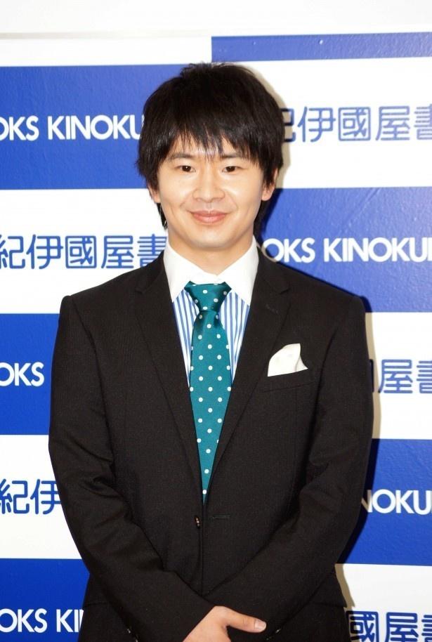 1月1日に女優の南沢奈央との熱愛がスポーツ紙の報道によって明らかにされた若林正恭