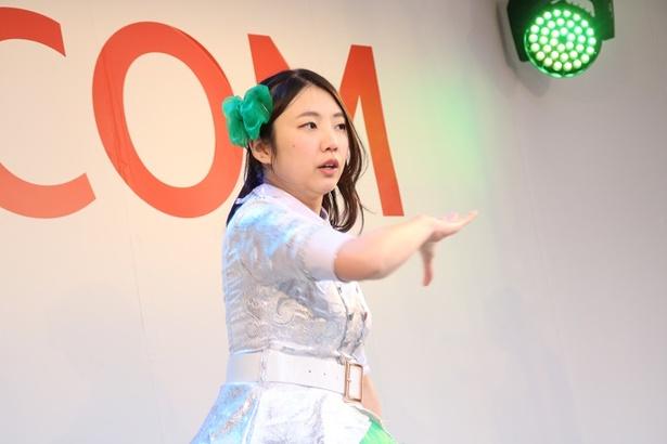 TOKYO23'Girlsのファンも半袖Tシャツになりながら声援を送る