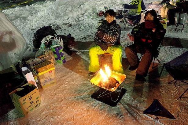 何はともあれ、寒さをしのぐためまずは火を起こす