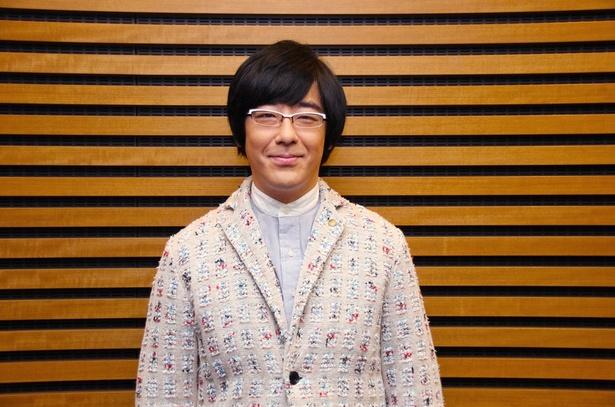 角田晃広演じる漫画家・戸塚の担当編集者・足立役を演じる豊本
