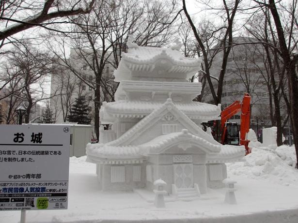 かわらしいキャラクターばかりでなく、難易度の高い雪像が並びます