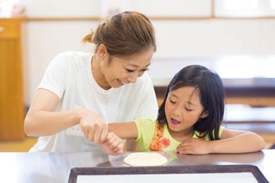 定番人気の「成形パン作り教室」は1000円/小町スコーラ