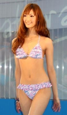 【写真】今年一番早い水着ファッションショー!キュートなモデルにも注目