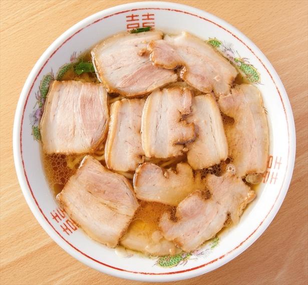 【画像を見る】肉が丼を埋め尽くす! 古川農園の「手打ち肉そば」