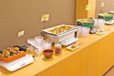 グラタンやスープなどのホットコーナー/泉州やさいのビュッフェ&カフェ