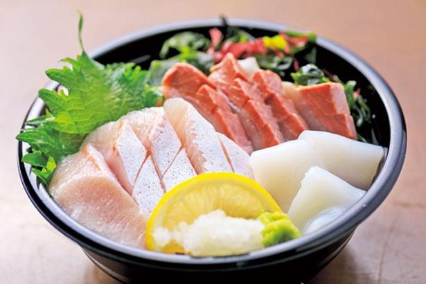 2月下旬まで味わえる「寒ブリ丼」(850円)/海千館