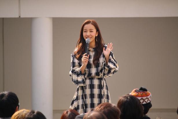 板野友美がこの春の全国ツアー開催を発表した