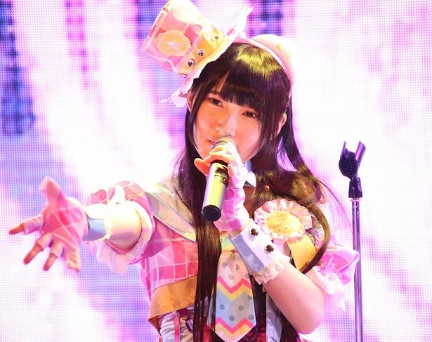 「色んな場面で歌ってきた曲で、虹コンのオーディションでも、去年のプチ生誕でも歌った」という「ハート型ウイルス」(AKB48)など、アイドルソングも歌唱