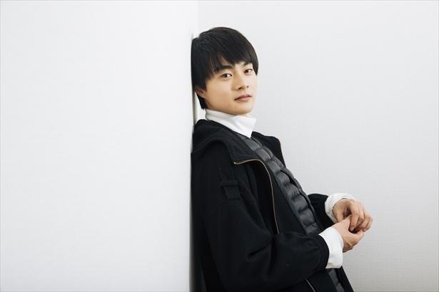 【写真を見る】「憧れは小栗旬さんと中井貴一さん!」