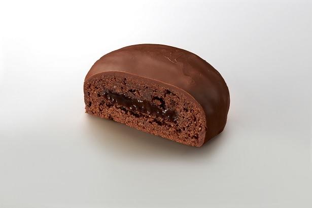 アプリコットジャムの甘酸っぱさがチョコの風味を引き立てる「ザッハトルテショコラ」(160円)