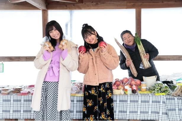野菜やリンゴ、手作りの漬物などを売るお母さんともお話ししたよ