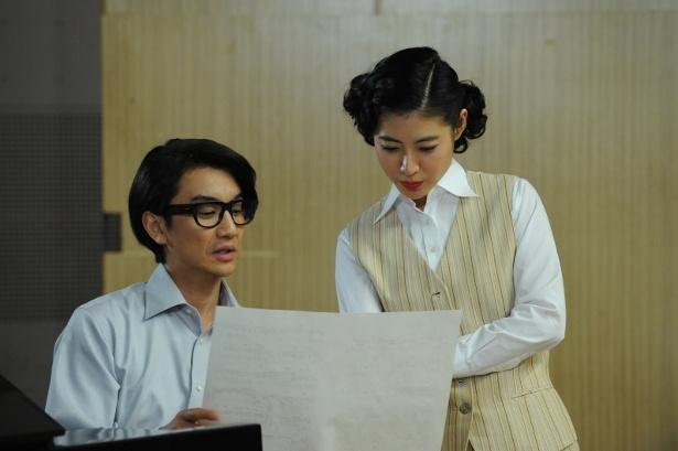 内藤法美の青年期を演じる長谷川純と越路吹雪を演じる瀧本美織